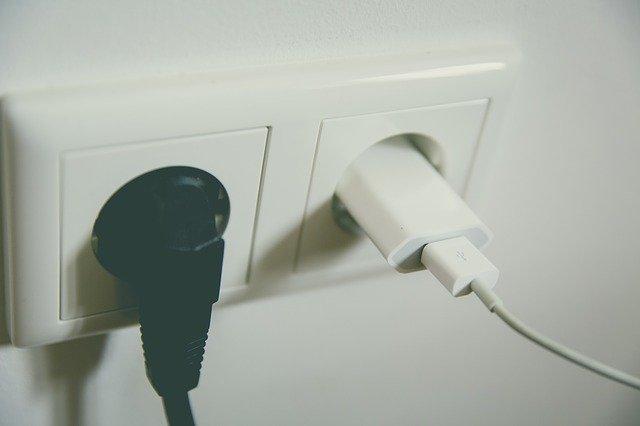 Comment installer une prise électrique ?
